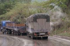 Heisse Lastwagenbremsen werden mit Wasser gekühlt.