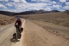 Nach den Ruhetagen in Litang sind die Beine noch schwer auf dem Weg auf den ersten 4600m Pass.