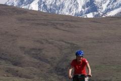 Die Berge von Garze im Hintergrund