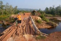 Wacklige Brücken in Kambotscha