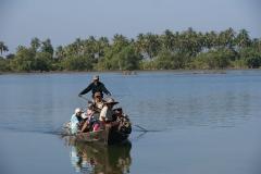 Fähre über Fluss - Myanmar
