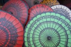 Farbenprächtige Sonnenschirme - Myanmar
