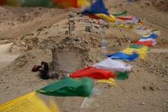 Windiger Pass mit Gebetsfahnen, Ladakh