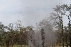 Eindrücklicher Dustdevil kurz hinter der Grenze von Laos.