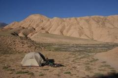 Camping in Erosionslandschaft