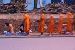 Almosensammlung der Mönche in Luang Prabang