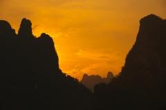 Morgendämmerung bei Vang Vieng