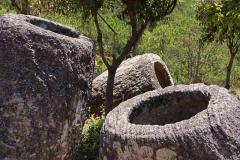 """Die Steinkrüge der """"Plain of Jars"""""""