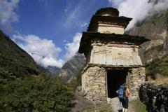 Chörten in den tibetischen Dörfern