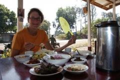 Nationalgericht von Myanmar. All you can eat für 2 Franken pro Person.