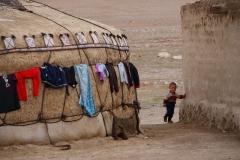Kirgisische Jurte mit Nachwuchs