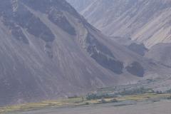 Erntezeit mit Sicht auf die Berge des Hindukush.