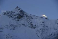 Morgenstimmung mit eingezuckerten Bergen
